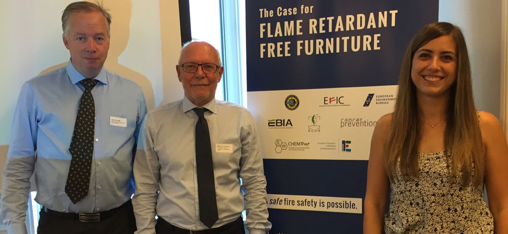 """Troikaen"" som dro saken i gang. Fra v. bransjesjef Egil Sundet, Norsk Industri, President Markus Wiesner, European Furniture Industries Confederation (EFIC) og generalsekretær Roberta Dessi, EFIC."