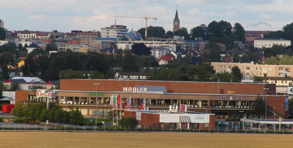 I tillegg til Skeidar er bl.a. Europris og Plantasjen leietakere i 'Skeidar-bygget' på Tunejordet. (Foto: Flickr)