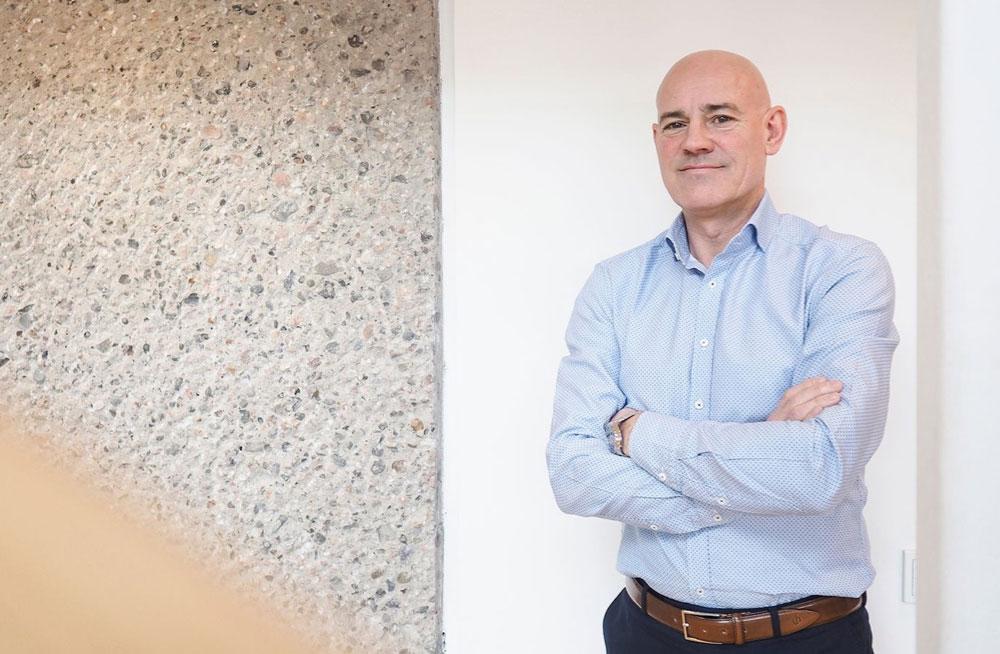 Direktør for Virke Faghandel, Bror William Stende, er bekymret for at en femtedel av omsetningen på nett går til utenlandske aktører.