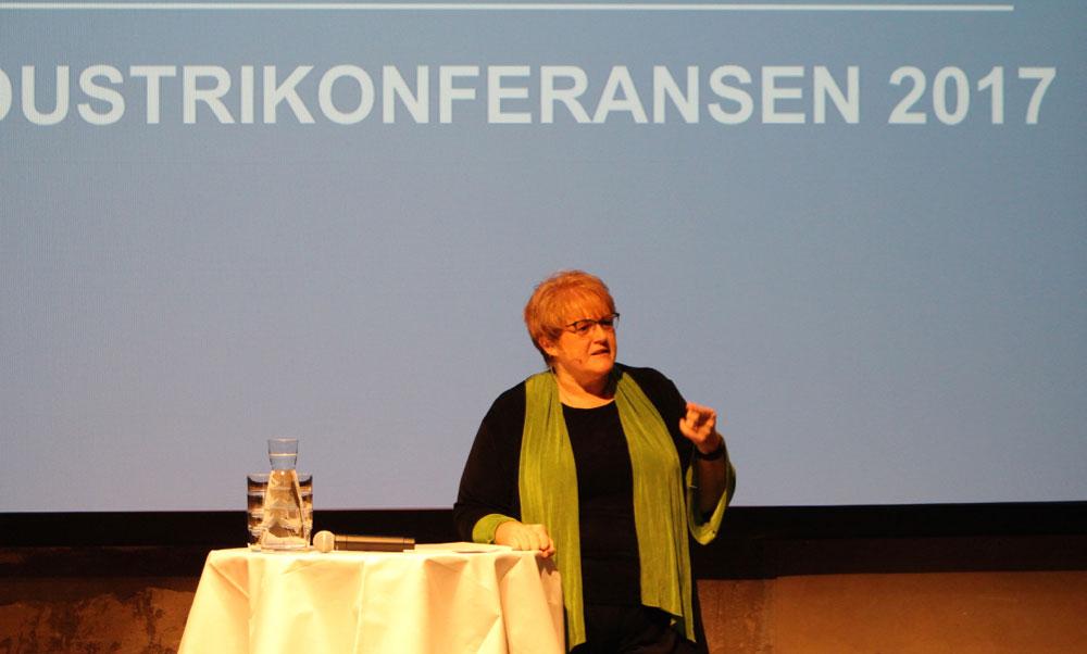 Venstre-leder Trine Skei Grande stod for den formelle åpningen av konferansen. (Foto: Knut Skoe)