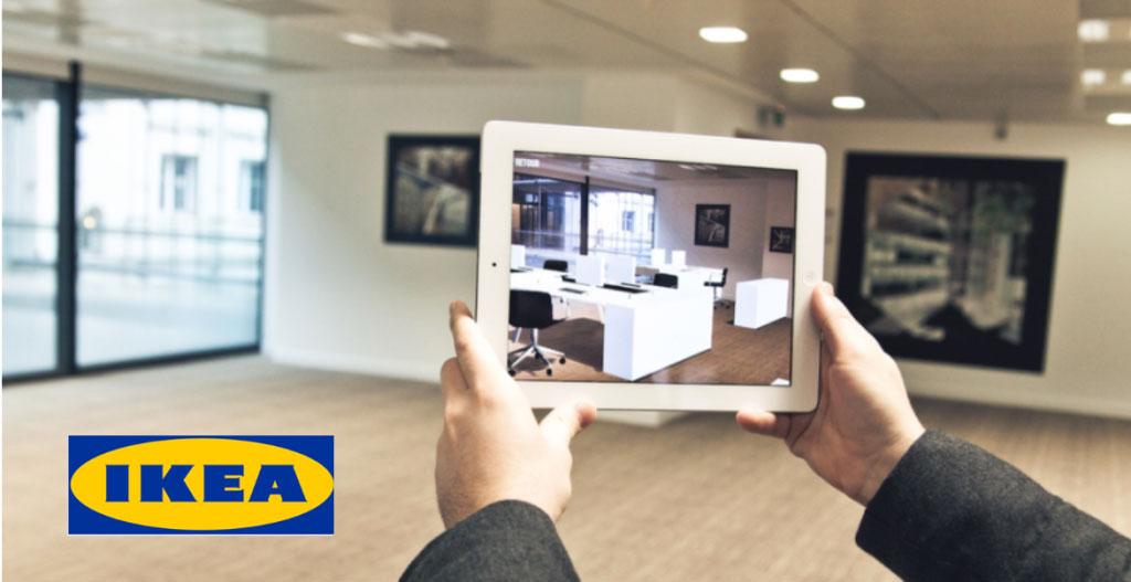 IKEA var tidlig ute med å ta i bruk AR, her med bruk av nettbrett. (Foto: IKEA)