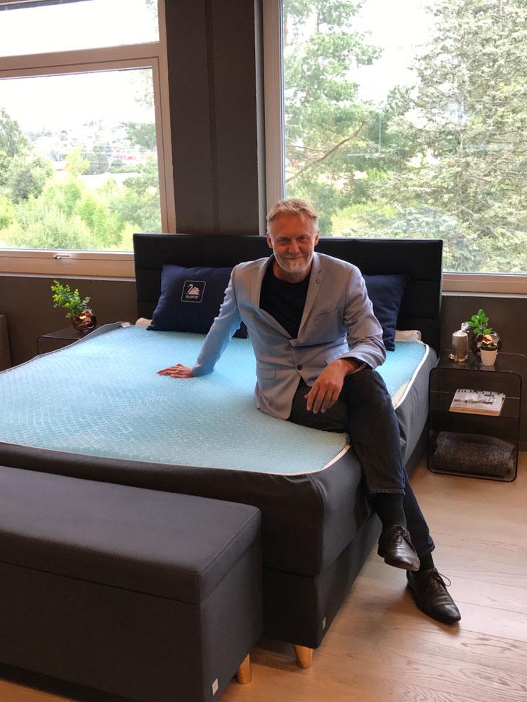 Jon-Erlend Alstad: – Svane® til et av de mest kjente varemerker innenfor norsk møbelbransje. (Foto: Ekornes)