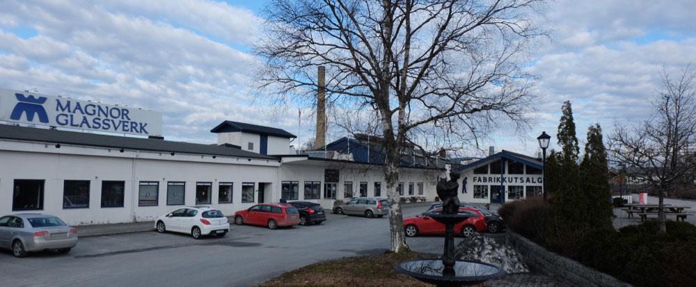 Magnor Glassverk er Hedmarks nest største turistattraksjon med årlig rundt 200.000 besøkende i Glasshytta og fabrikkutsalget. (Foto: Odd Henrik Vanebo)