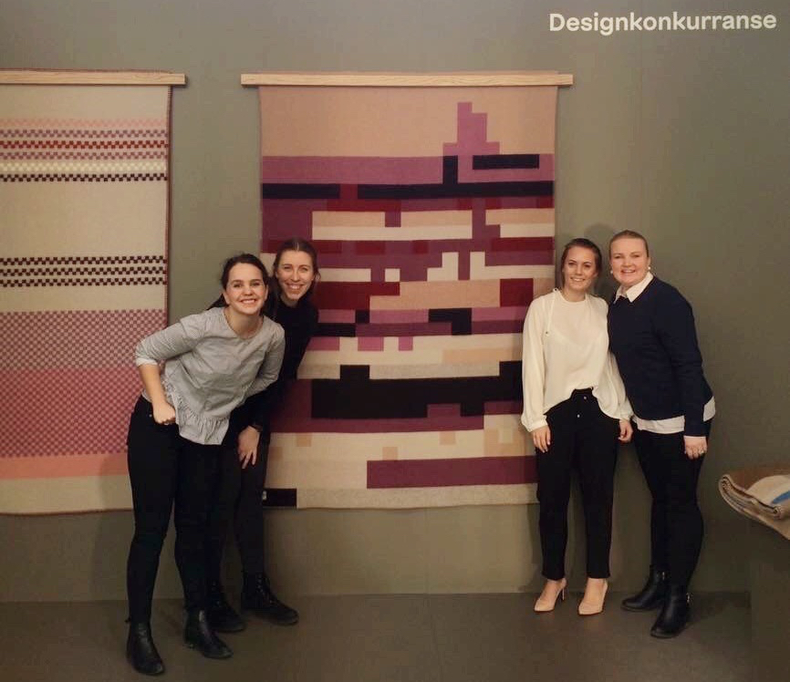 De glade vinnere fra venstre: Gjertrud Grødem Stikbakke, Christina Tønnesland, Linn Øistad og Kaja Kristiansen. (Foto: ODF)