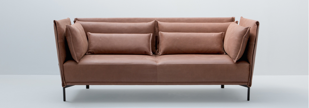 L.K.Hjelle er nominert til Årets produkt for sofaen «Niu». (Foto: L.K.Hjelle)