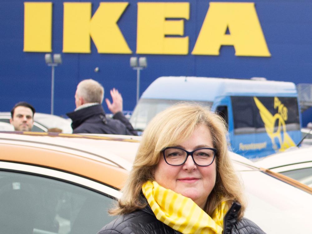 Clare Rodgers: – Gleder oss over å kunne bidra til å sysselsette innvandrerkvinner i lokalsamfunnet vårt. (Foto: IKEA/Johan Nord)