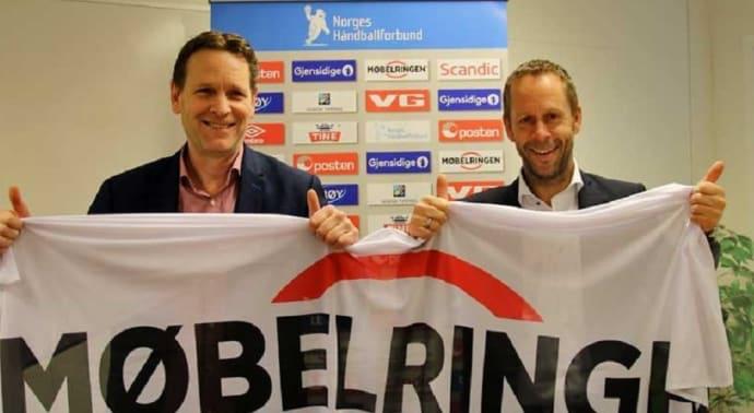 Ny avtale undertegnet: Generalsekretær Erik Langerud i NHF (t.v.) og administrerende direktør Henning Eriksen i Møbelringen (Foto: Kirsten Birkeland)