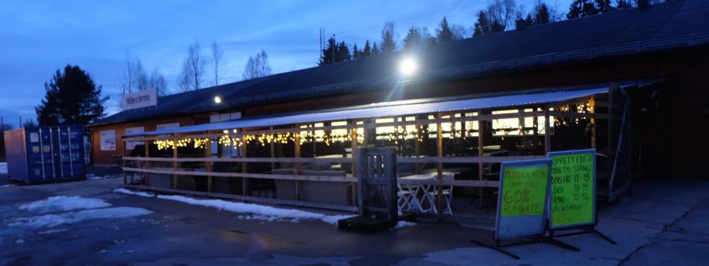 Men tilbudet funnes: Grensehandel fra fysisk butikk i Eda midt mellom Magnor og Charlottenberg. (Foto: Odd Henrik Vanebo)