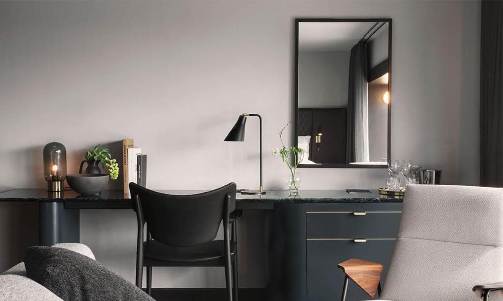 Veng stol er designet av Torbjørn Bekken i 1960. I 2017 leverte Eikund 331 lenestoler til det splitter nye luksushotellet At Six i Stockholm, Sverige. (Foto: Eikund)