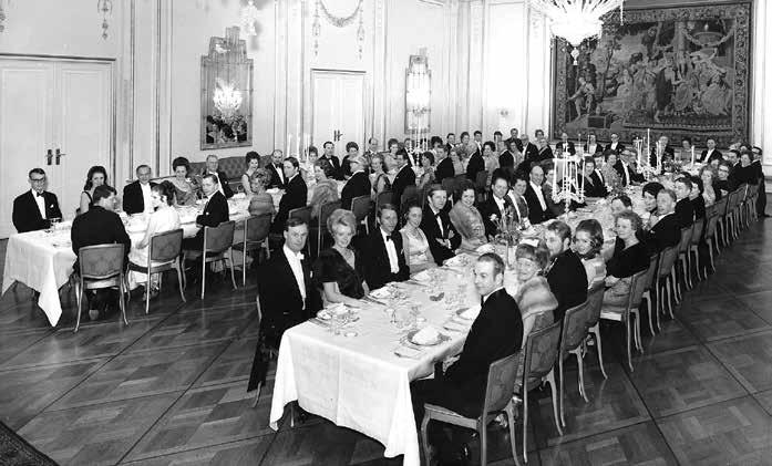 Stil over samlingene i Oslo Møbelkhandlerforening. Her fra 40-års jubileet i 1960.