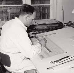 Designer Rolf Hesland i aksjon på tegnekontoret hos Bruksbo i Uranienborgveien.