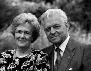 Hans Slettvoll, grunnlegger av Slettvoll Møbler, og kona, Birgit.