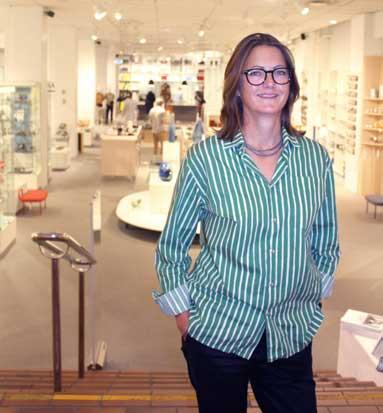 Runa Boman er tredje generasjon i ledelsen av Norway Designs. (foto: Knut Skoe)