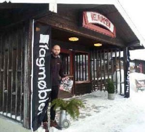 Endre Sandbakken ønsker velkommen til grensehandel med møbler